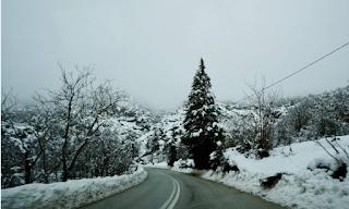 Στα λευκά ξημέρωσαν τα ορεινά των Τρικάλων
