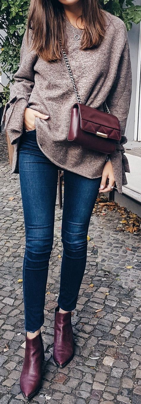 casual style perfection / bag + sweater + skinny jeans + boots