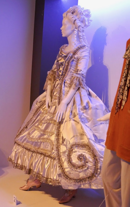 Julianne Moore Wonderstruck 18th century costume