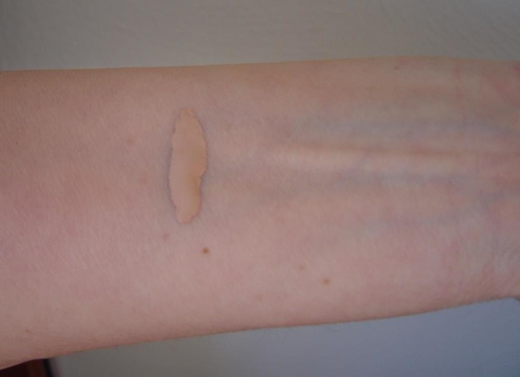 Pur Minerals Disappearing Ink 4-in-1 Concealer Pen (Light) swatch.jpeg