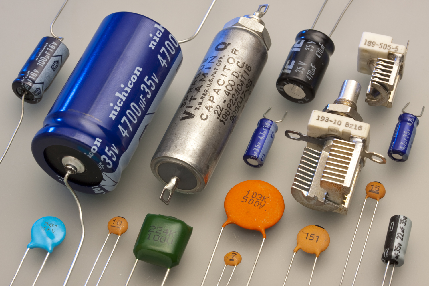 Basic Technology Lesson Note Simple Electrical Wiring Schematic Translat Into Circuit Which Are Taught In Electricity Capacitors