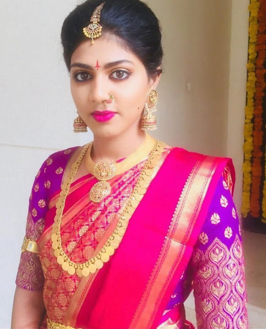 Bride in Traditional Kasu Mala Broad Choker