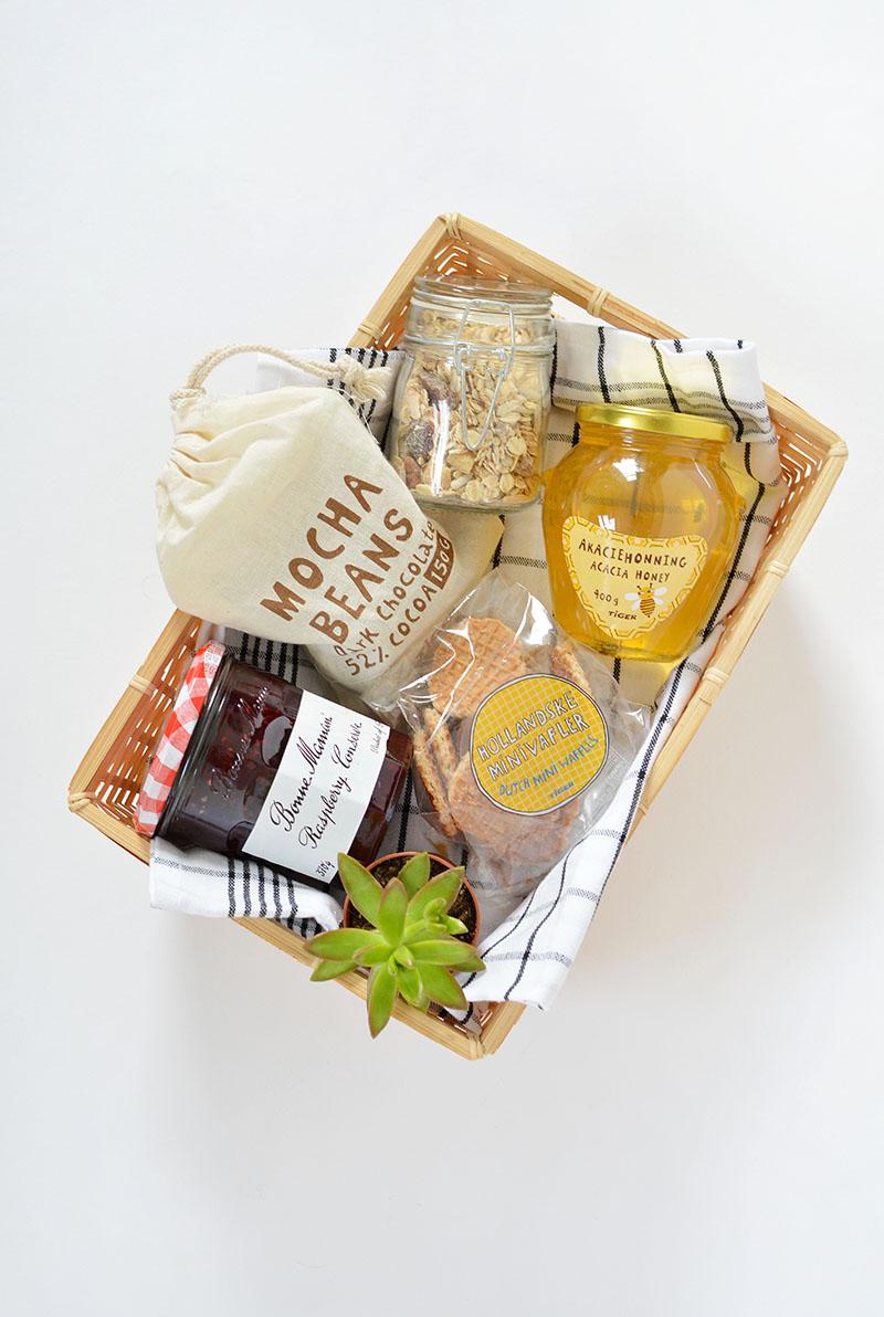 Diy Breakfast In A Box Gift Idea Burkatron