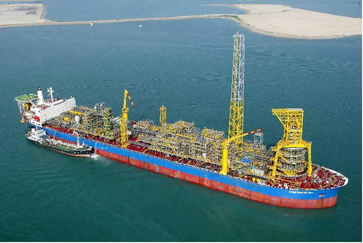 SBM Offshore N V  receives extension for lease and operate