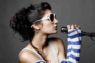 Artis-Penyanyi-Wanita-Bollywood-Anushka-Manchanda