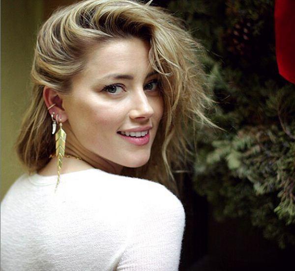Amber Heard pretty hot photo