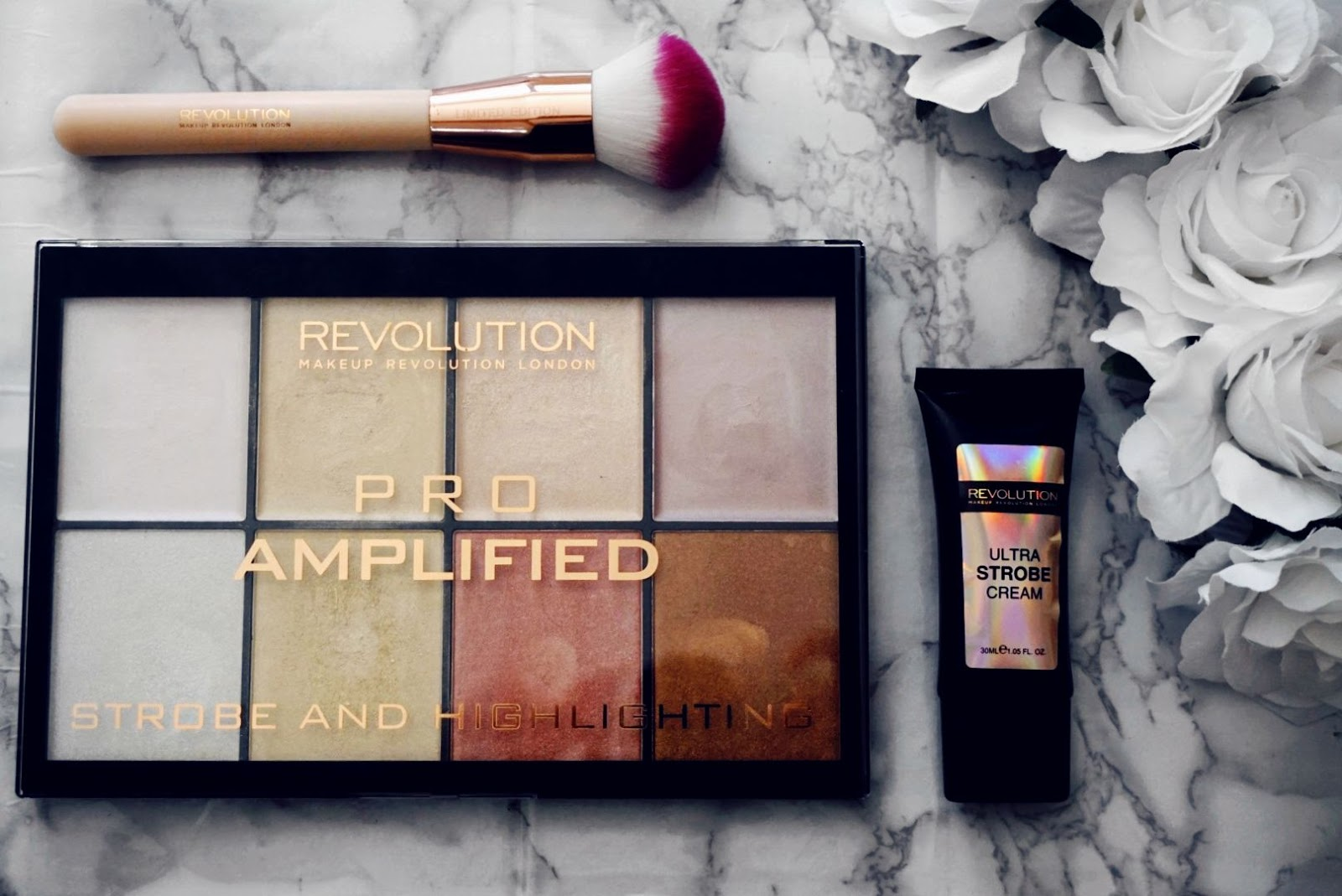 GLOW LIKE A QUEEN WITH THE REVOLUTION AMPLIFIED STROBE AND HIGHLIGHTING GIFT SET