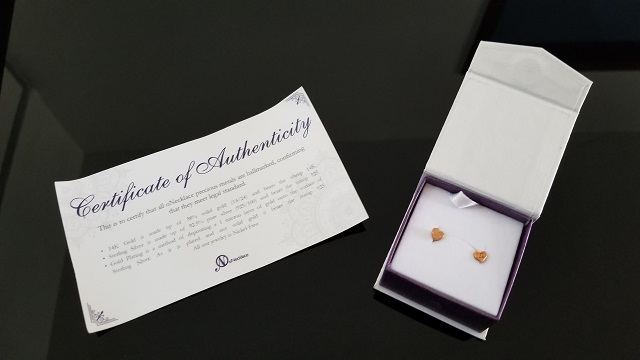 oNecklace certificate of authenticity