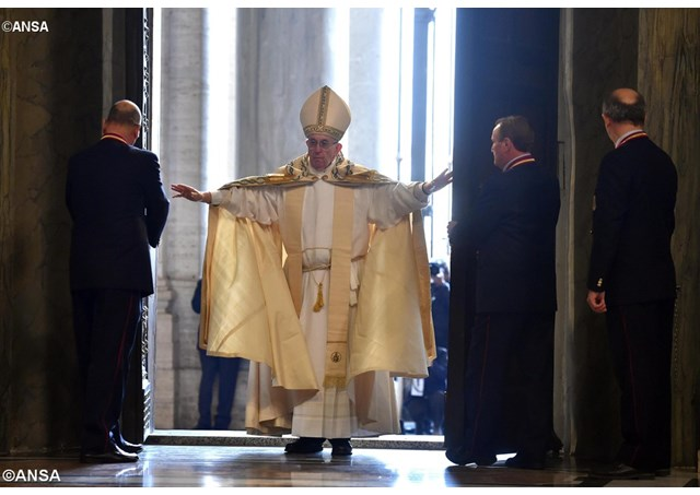 Papa Francisco abre a Porta Santa da Basílica de São Pedro Foto: ANSA