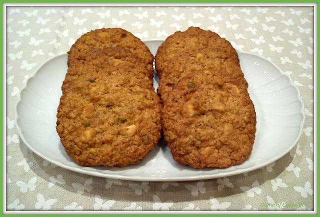Cookies de avena, pistachos y chocolate blanco.
