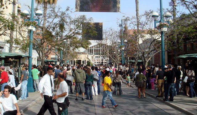 Sobre a Third Street Promenade em Santa Mônica