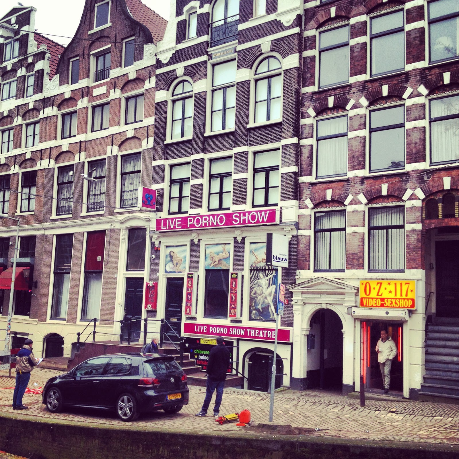 peace love wanderlust de wallen amsterdam. Black Bedroom Furniture Sets. Home Design Ideas