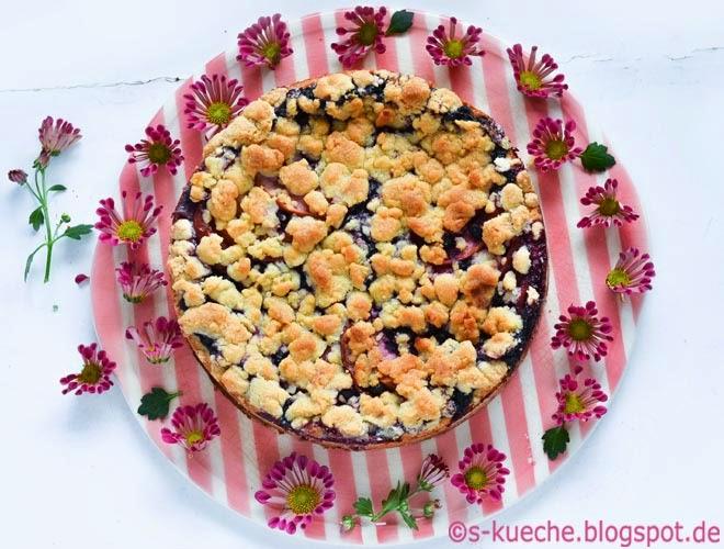 Pudding Apfel Blaubeer Streuselkuchen