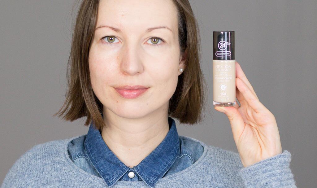 Revlon Colorstay Foundation Combination Oily 150 Buff Review eine Gesichtshälfte geschminkt