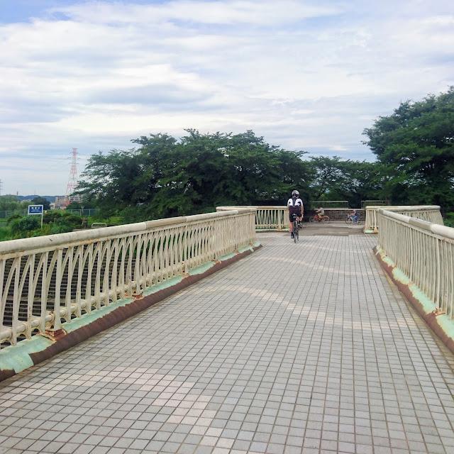 多摩川サイクリングロード 残堀川