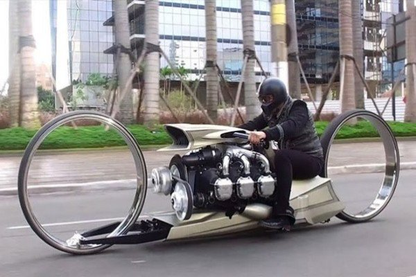 See The Hubless Motorbike With Rolls-Royce Aircraft Engine