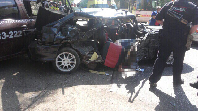 В Стерлитамаке ВАЗ-2113 вылетел на встречку, погиб мужчина