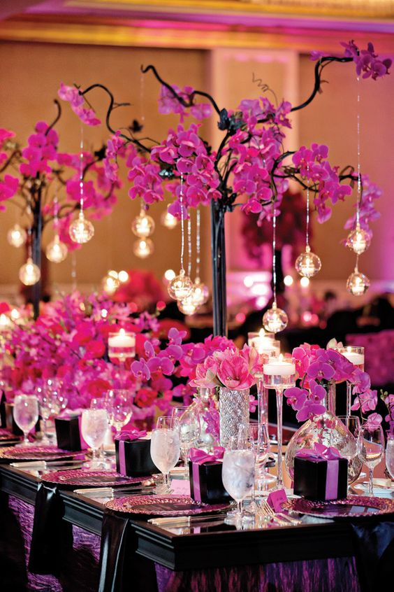 Simple centerpiece ideas for a wedding that add beauty to
