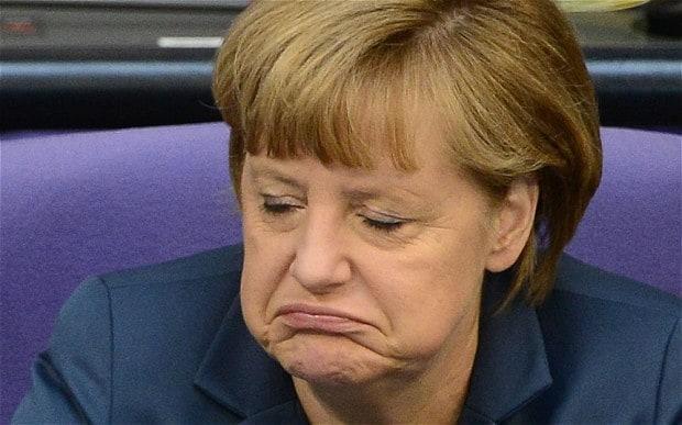 A chanceler alemã, Angela Merkel, classificou nesta terça-feira (20) de atentado terrorista o atropelamento que deixou 12 mortos e 48 feridos em uma feira natalina em Berlim, na Alemanha