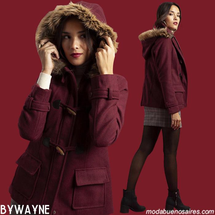 Moda urbana otoño invierno 2019 para mujer. Tapado estilo montgomery otoño invierno 2019.