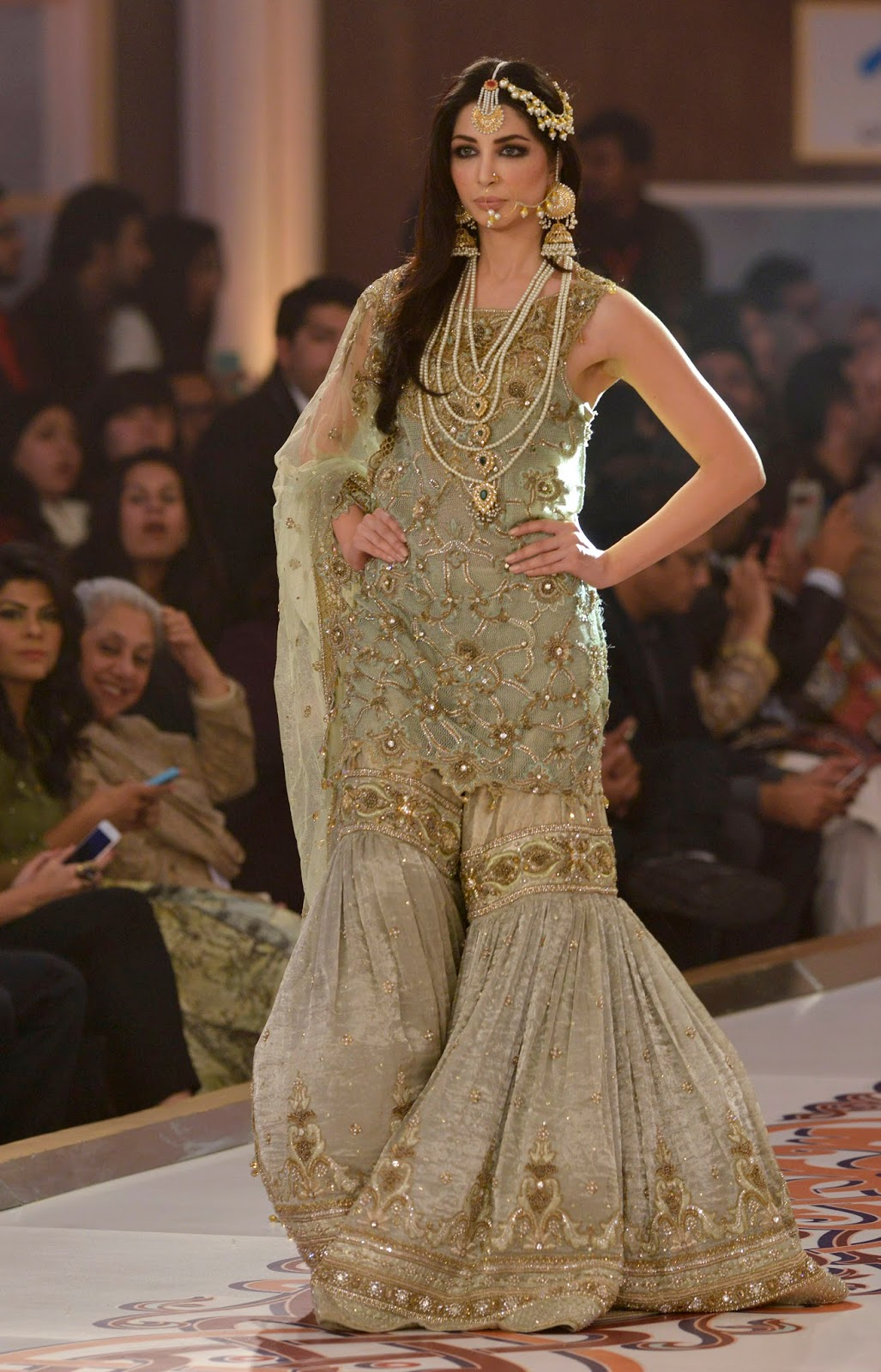 Pakistan Fashion Bridal Couture Week 2015 Lahore In Hd Pictures Hd Photos