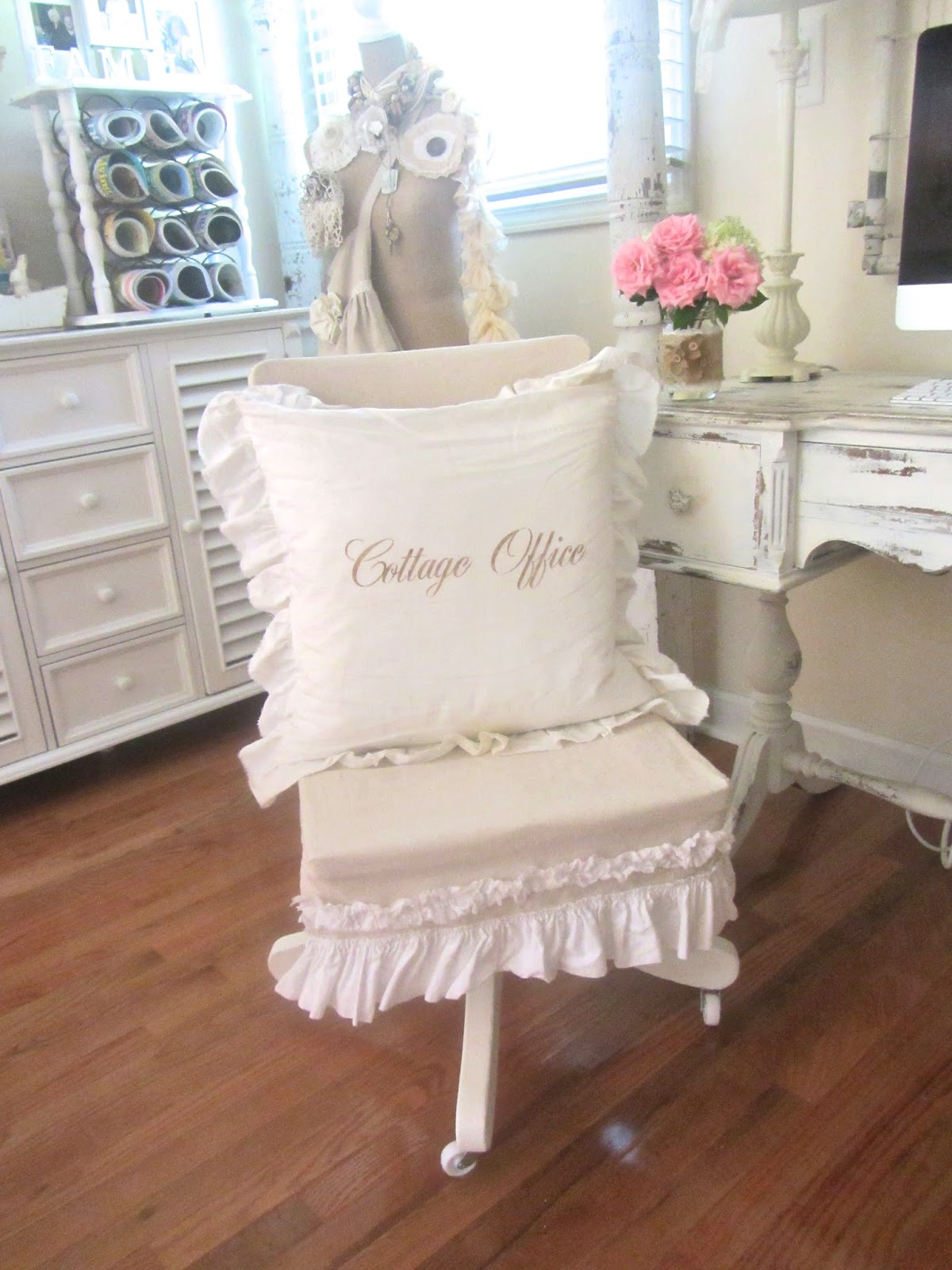 Cute Comfortable Desk Chairs Junk Chic Cottage Office Chair Updo And A Sneak Peek At