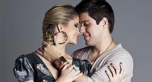 Maria Cecília e Rodolfo se beijando