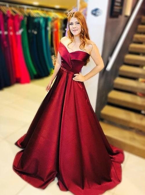 vestido longo marsala estilo princesa