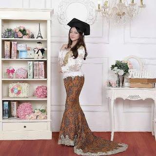 gambar model rok batik untuk kebaya