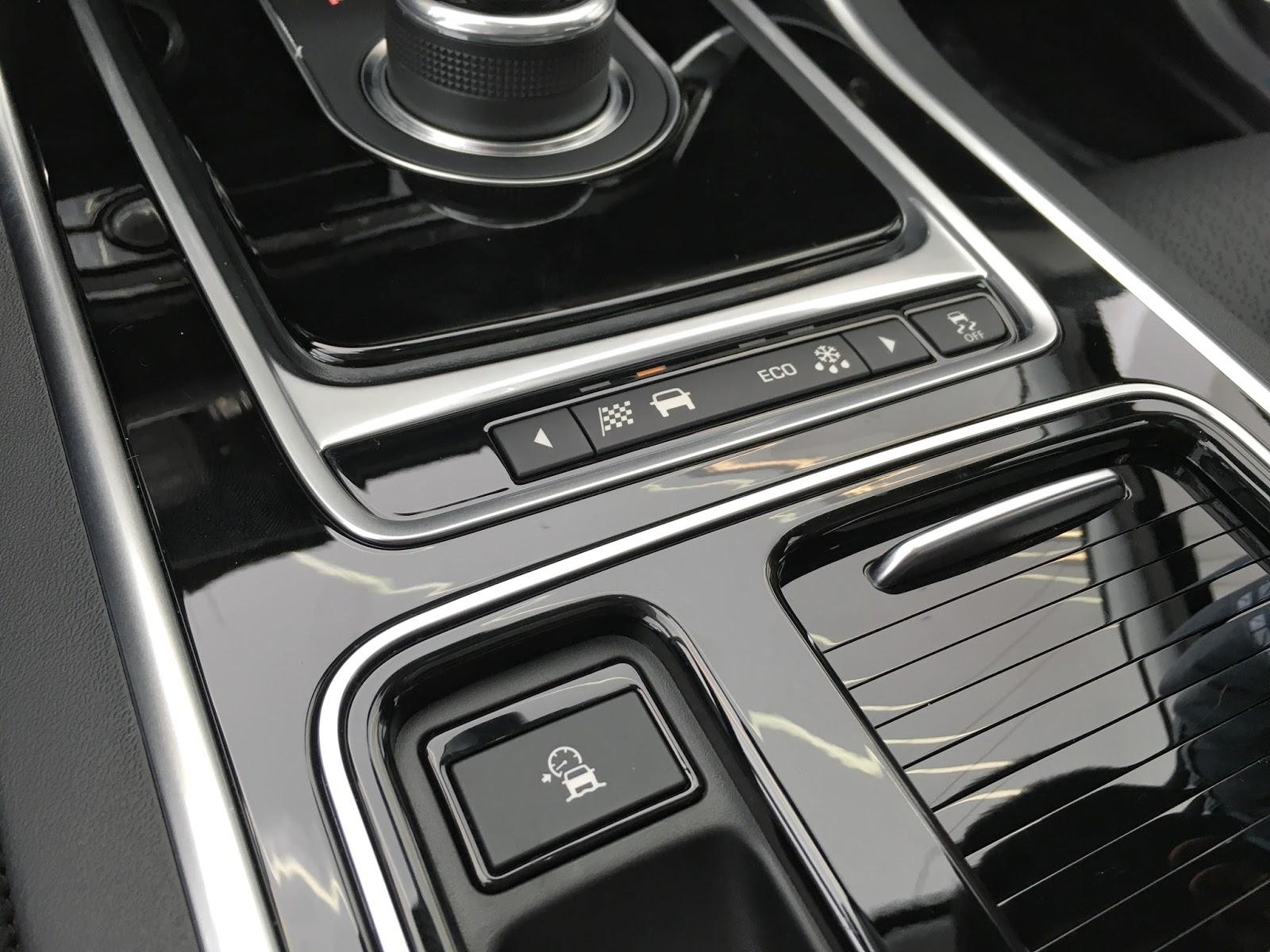 Jaguar XF đời mới 2018