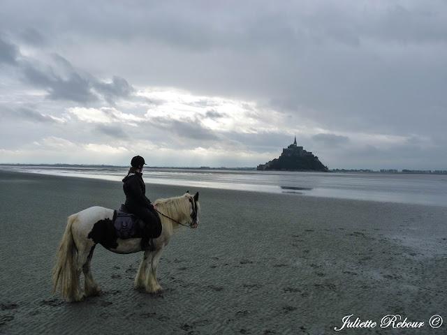 A cheval au Mont-Saint-Michel !
