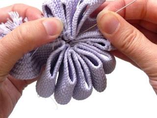 como hacer broches de tela paso a paso