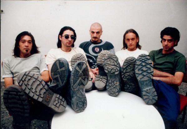 ΤΑ ΡΟΔΑ ΤΗΣ ΕΡΗΜΟΥ - Ελληνικό ροκ συγκρότημα