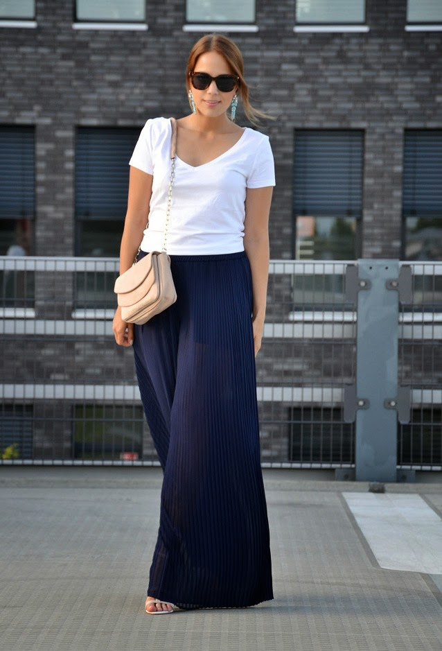 Wearing a HM White T Shirts with Pleated Palazzo Trousers for a Summertime look