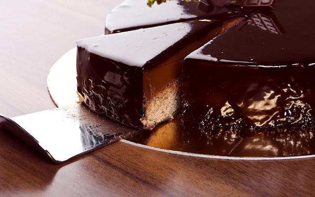 Heerlijke chocoladetaart in stukjes