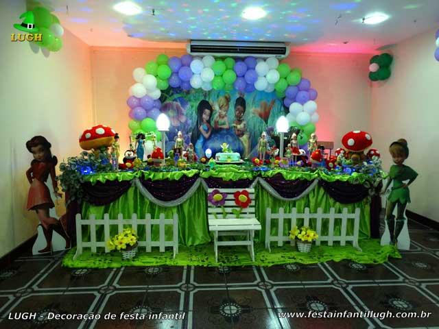 Decoração festa de aniversário infantil Tinker Bell - Sininho em mesa forrado de pano em cetim - Barra - RJ