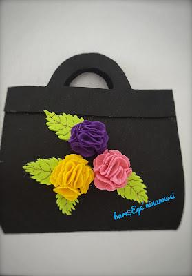 çiçekli keçe kol çantası