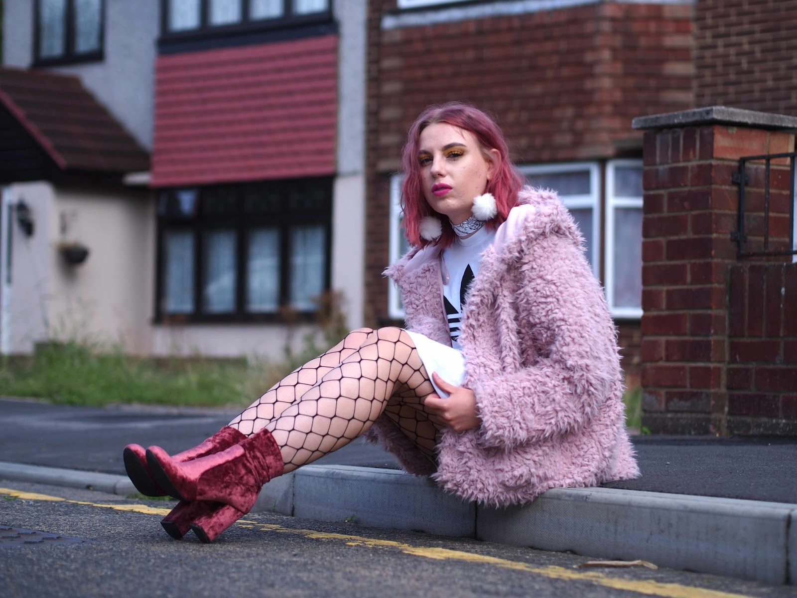 london street style, how to style fishnets, grunge outfit ideas, grunge outfits, grunge blogger, uk fashion blogger, street style blogger, london fashion blogger