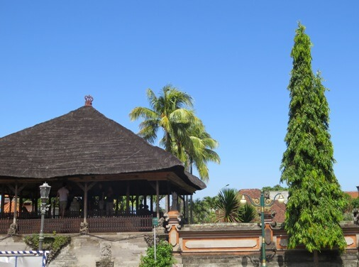 Kerta Gosa Bali is a historical edifice BaliBeaches: Kerta Gosa Bali - The Classical Puppet Painting of Kamasan & Klungkung Palace History
