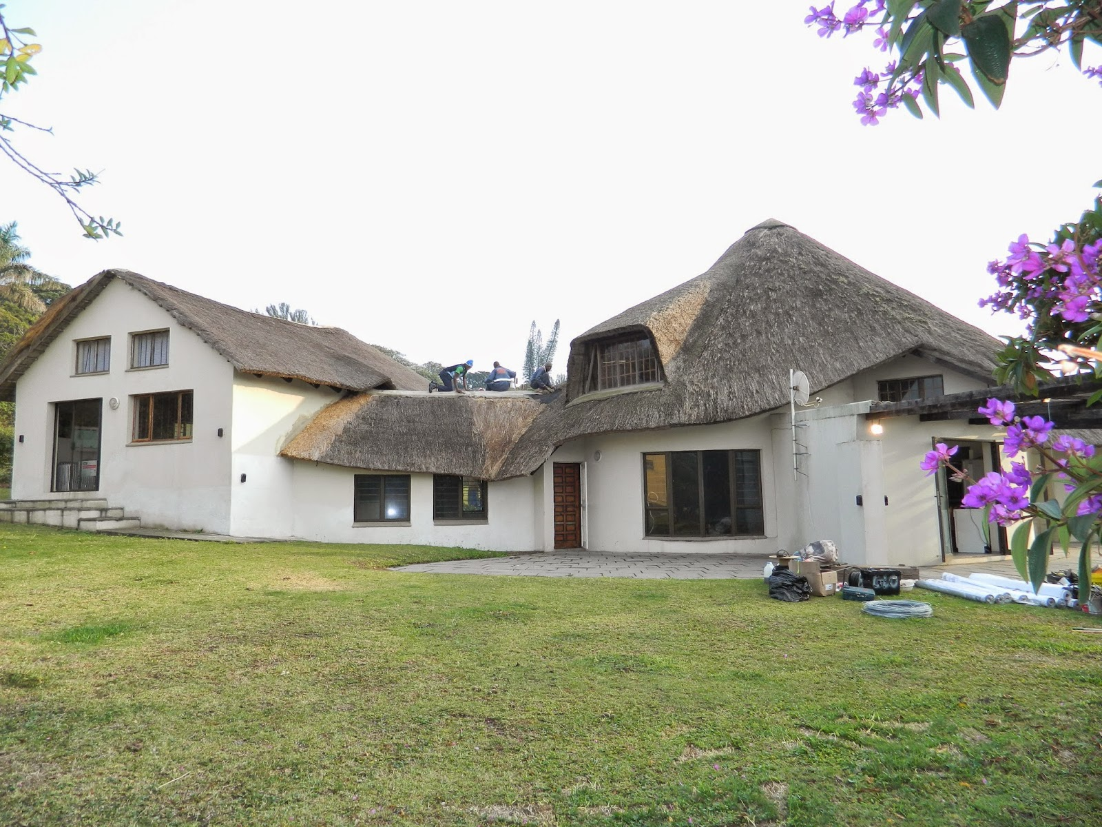 Thatch Roofing Tiles Amp Mexican Palm Thatch Artificial