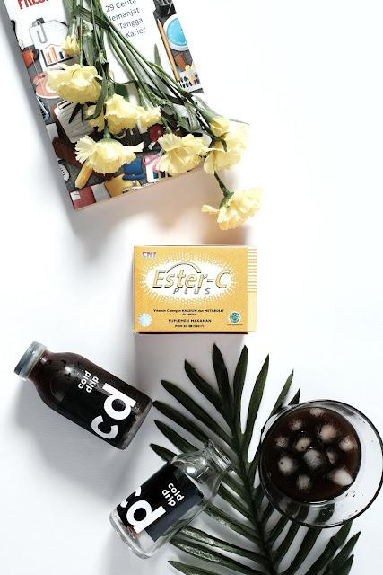 agar perjalanan liburan menyenangkan konsumsi suplemen vitamin c
