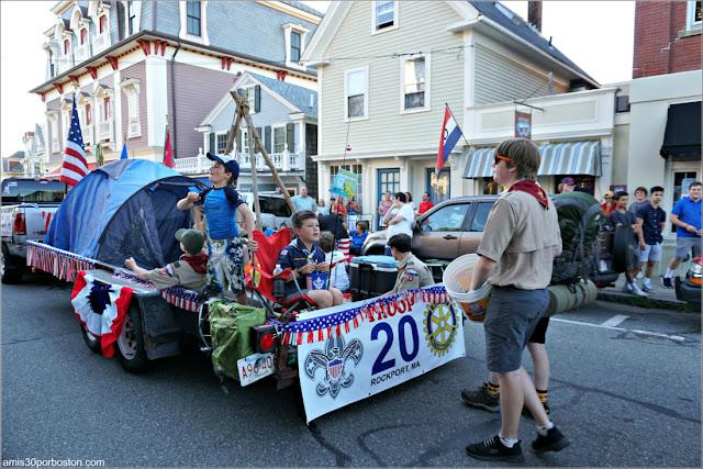 Desfile del 4 de Julio en Rockport: Boy Scouts