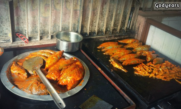 Tharavadu Hotel - a Kannur Seafood spot #WriteBravely