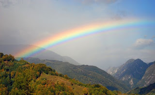 Look, a rainbow!