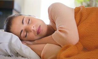 Manfaat Tidur Miring Kekiri dan Alasannya