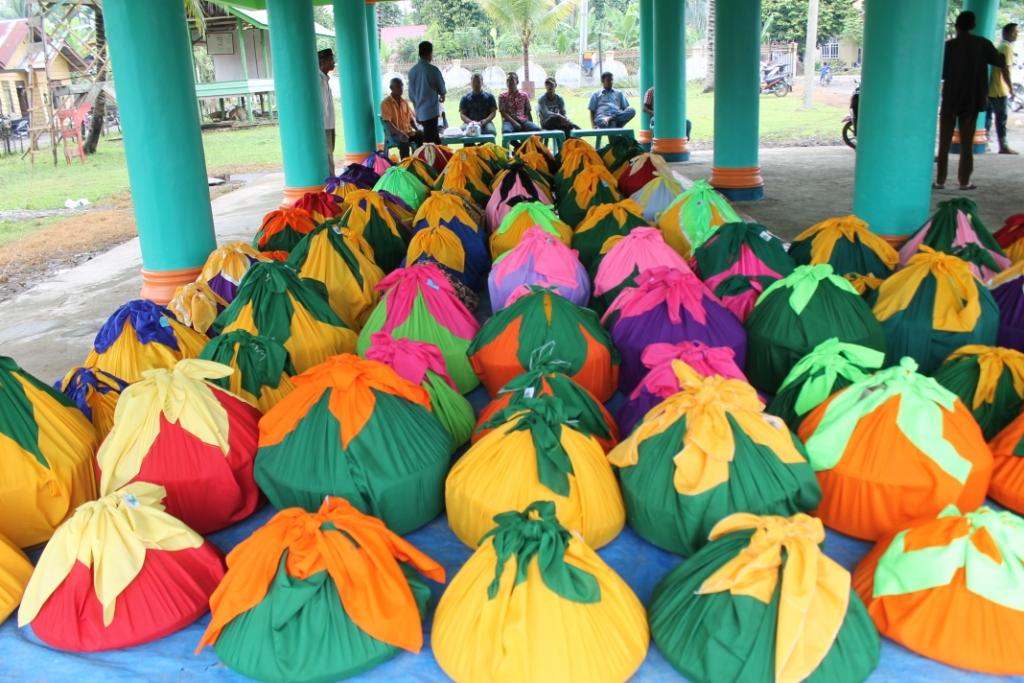 Masyarakat Gampong Cot Baroh Peringati Maulid Nabi 1437 H