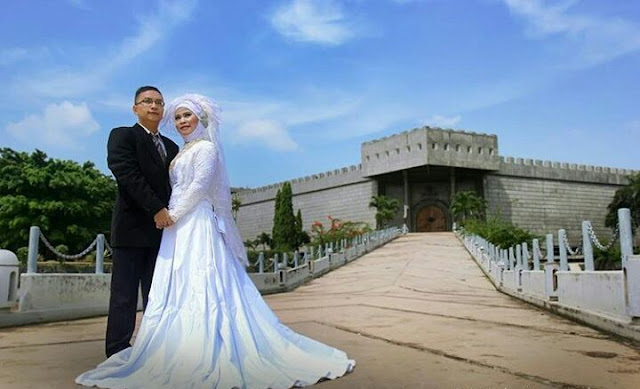 foto prewedding outdoor lokasi tmii