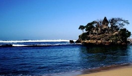 Pantai Balekambang object wisata di malang