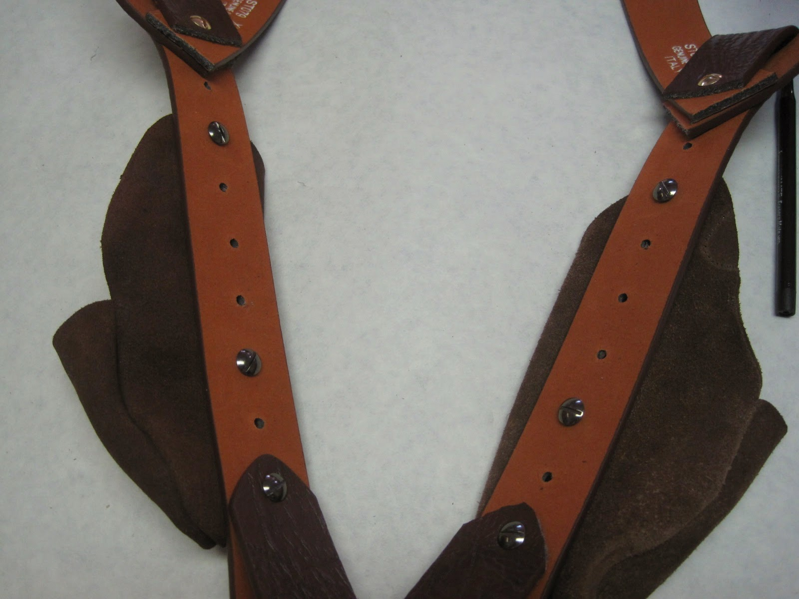 Shoulder Holster | The Iron Tailor