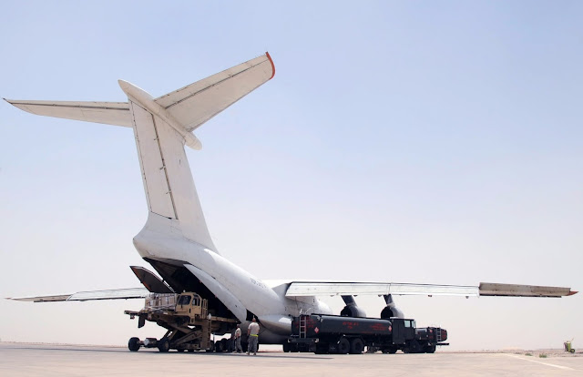ilyushin il-76 unloads cargo
